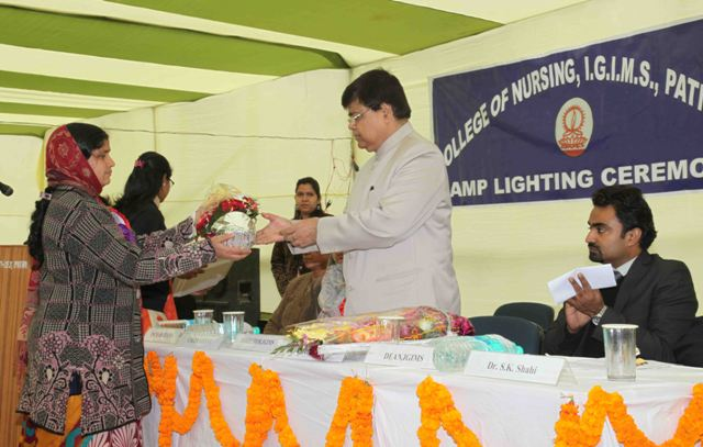 Lamp Lighting & Capping Ceremony held on 13th Jan.: Lamp Lighting & Capping Ceremony held on 13.01.2014 at College of Nursing, IGIMS - Patna
